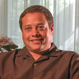 anil_henry_photo_300sq.jpg
